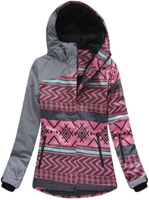 Magasan szigetelt női téli kabát, jellegzetes mintával