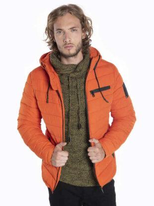 Férfi steppelt, vattázott kabát praktikus kapucnival