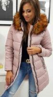 Világos rózsaszín, hosszabbított női télikabát szőrmével