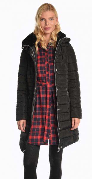 Női hosszú, bélelt kabát kapucnival